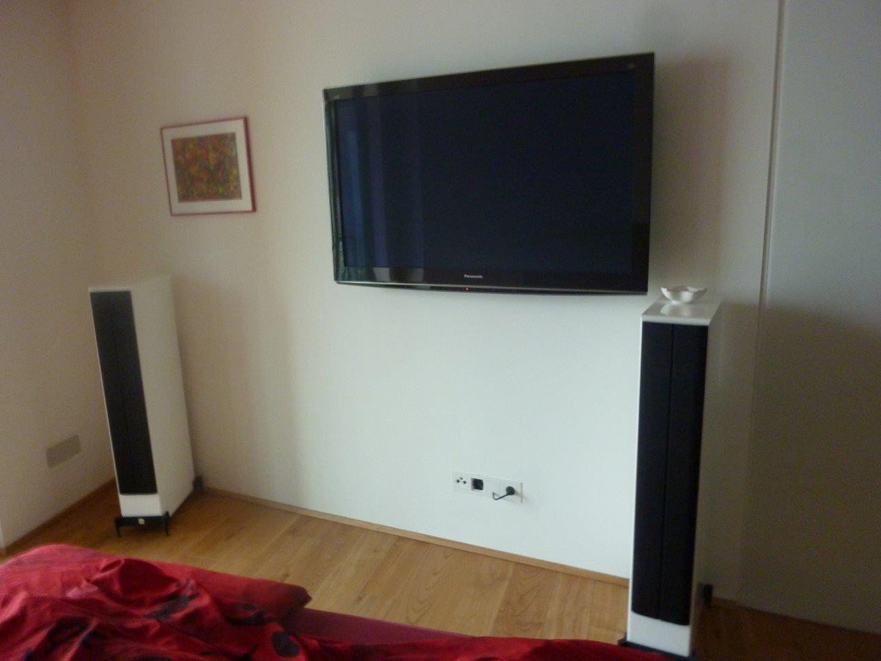 tv und hifi auf h chstem niveau plan work. Black Bedroom Furniture Sets. Home Design Ideas
